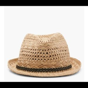 Straw hat never worn